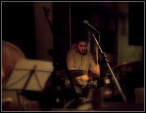Santiago Hernandez Clases de bateria cajon percusión
